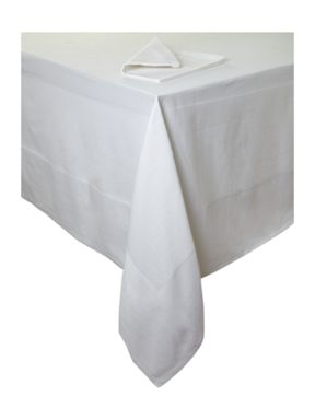 Casa Couture Pavilion white tablecloth and napkins