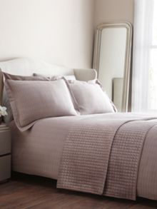 Belvedere rose bed linen