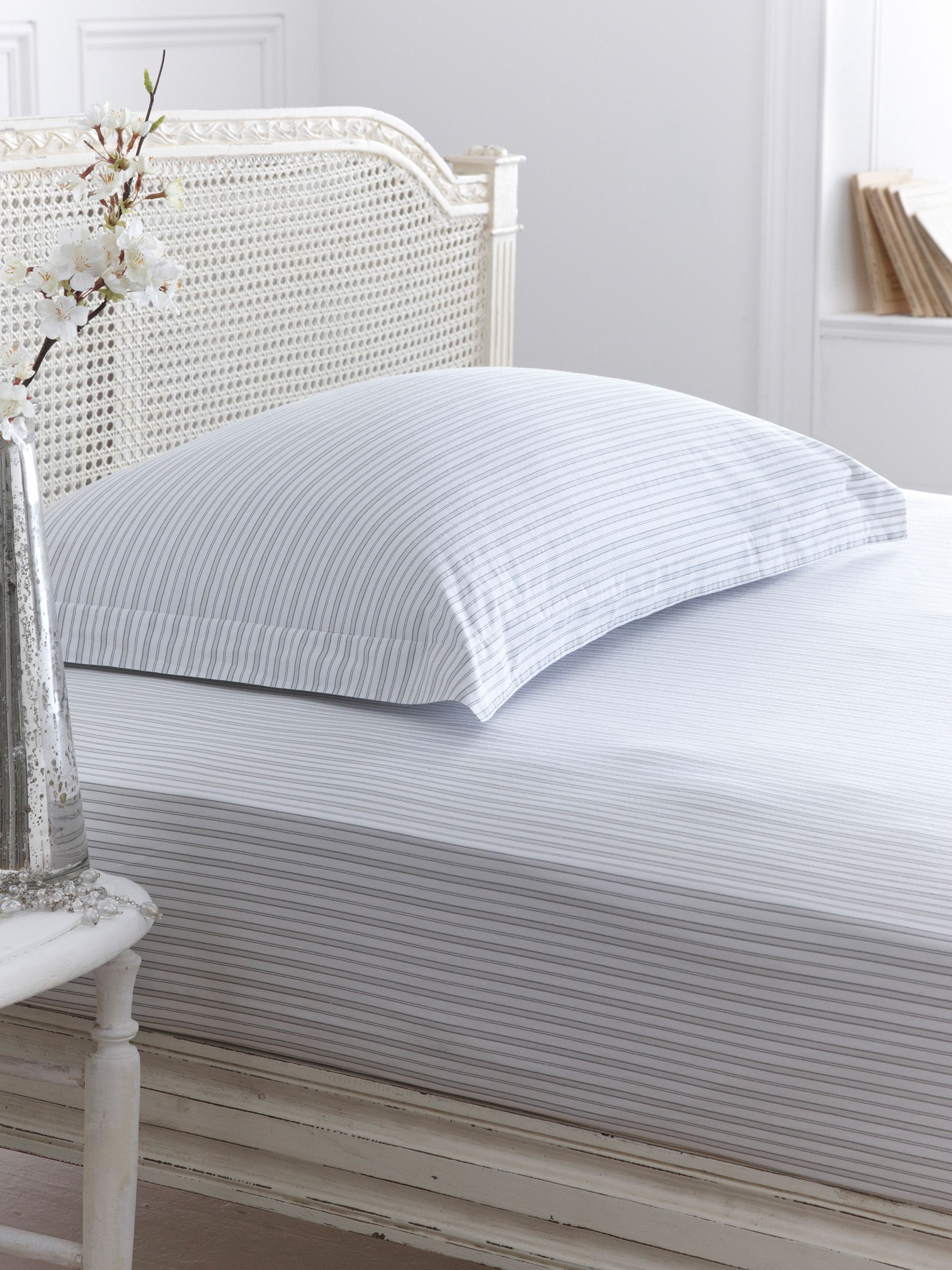 Stripe fitted sheet super king
