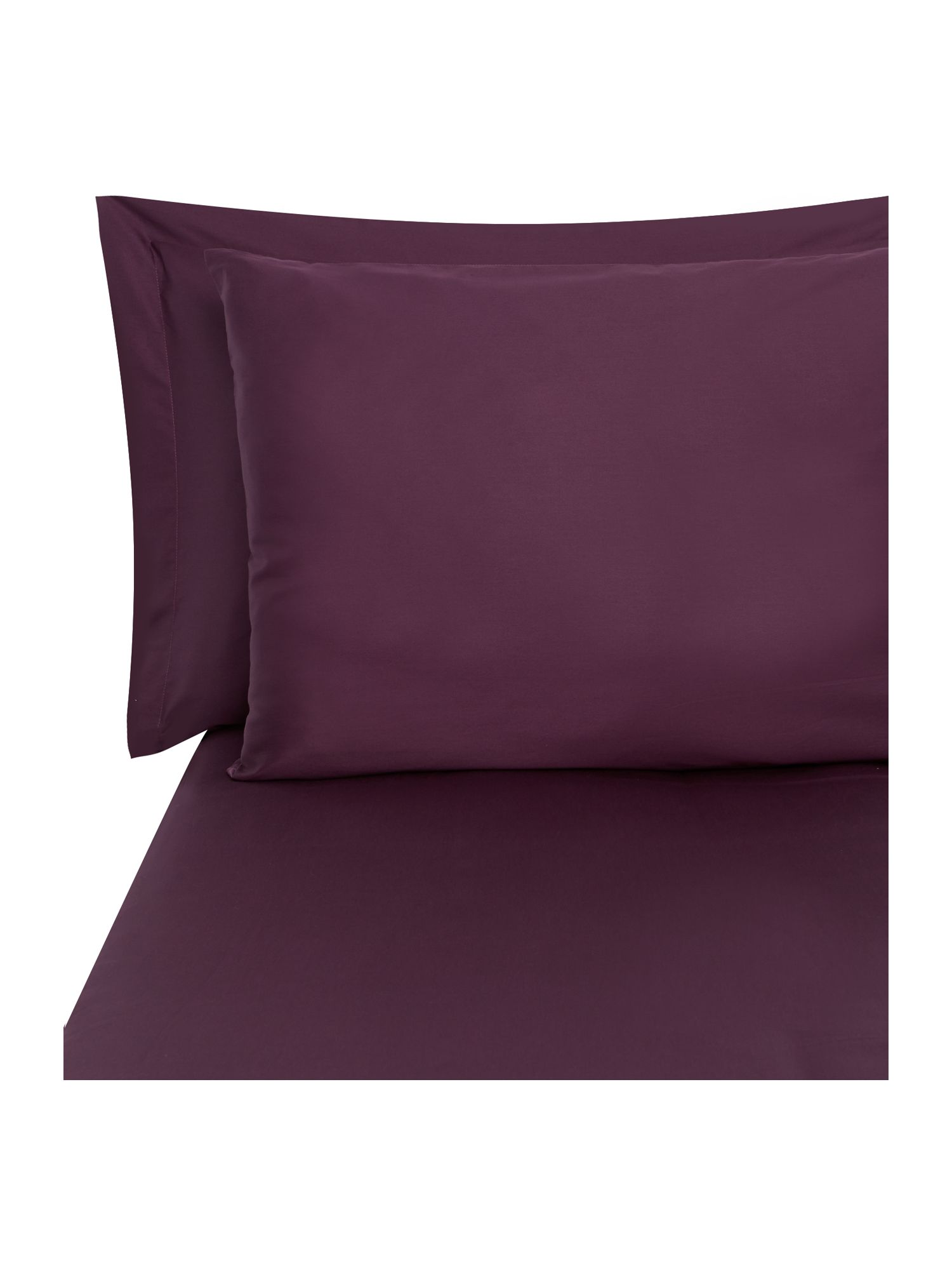 Plain dye bed linen in amethyst