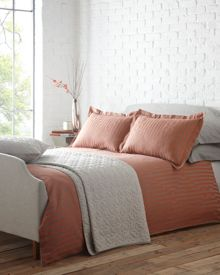 Brick jaquard bed linen