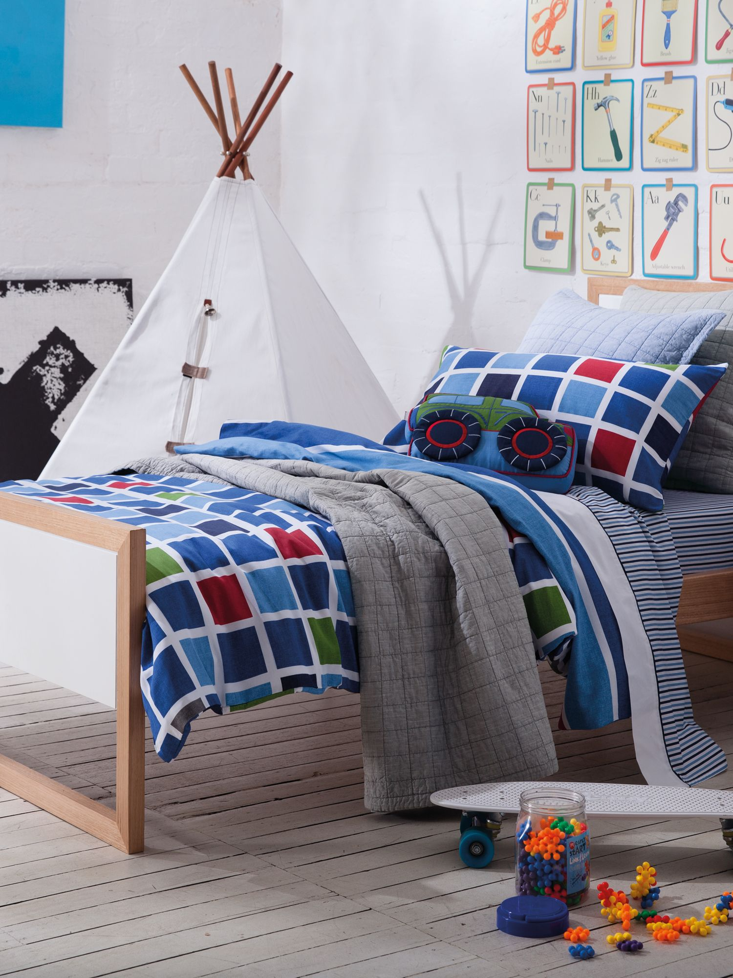 Pedro navy bed linen