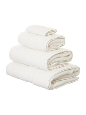 Linea Ultra Luxe towels in parchment