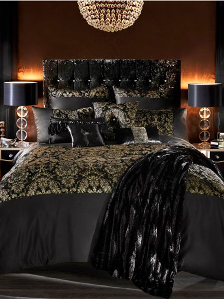 Kylie Minogue Alondra super king duvet cover in black and gold