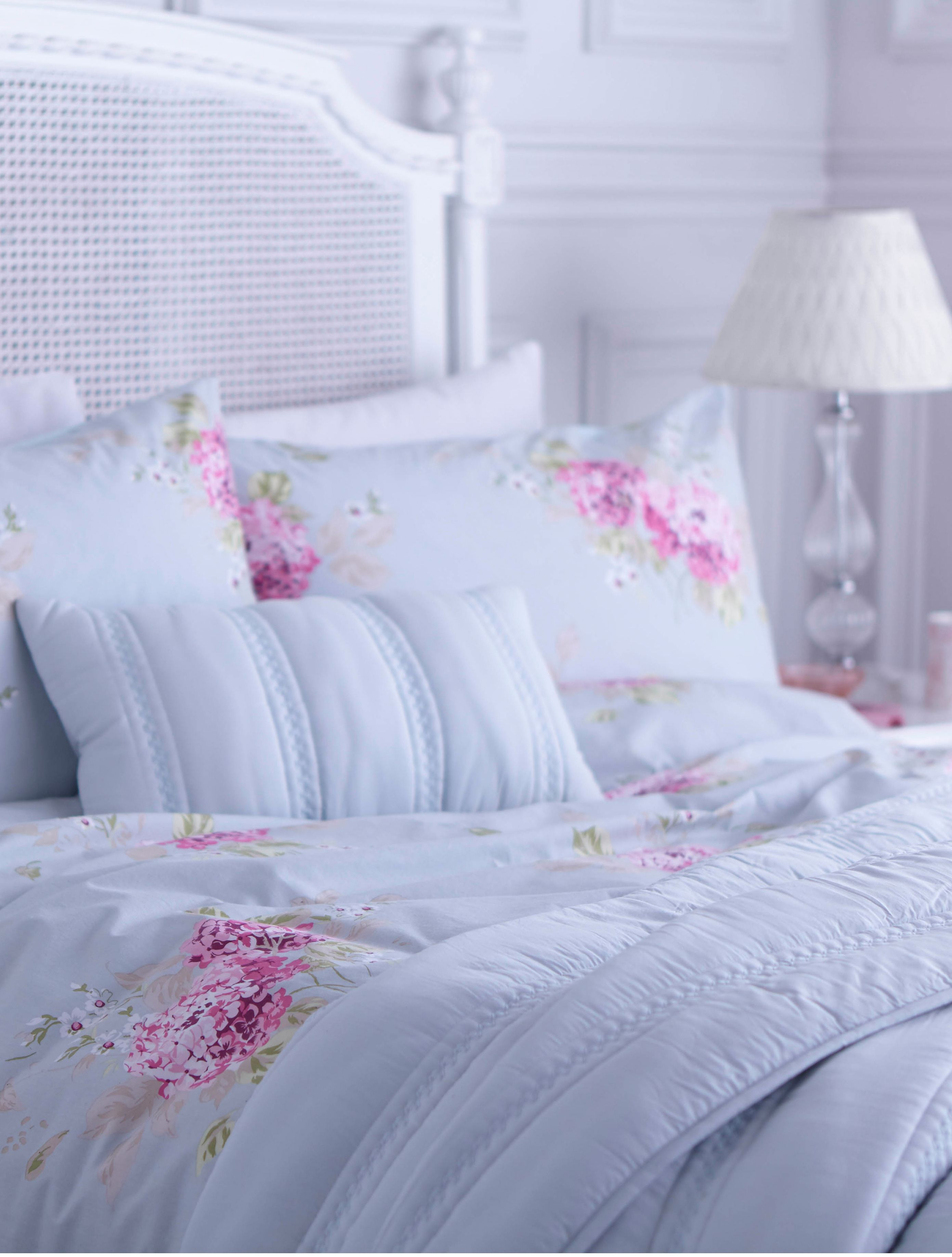 Belle hydrangea king duvet cover