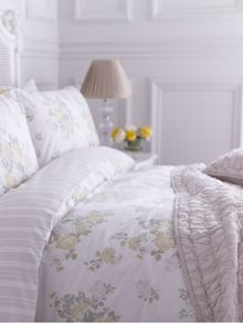 Floral cluster single duvet cover