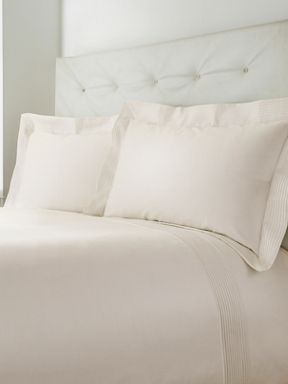 Luxury Hotel Collection Oxford Pintuck cream bed range
