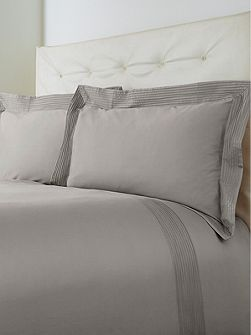 Luxury Hotel Collection Oxford pintuck single duvet set