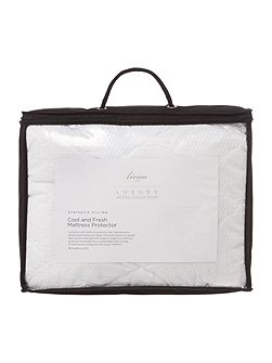 Luxury Hotel Collection Cool & fresh mattress protector
