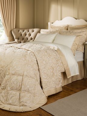 Christy Limoges bedspread gold