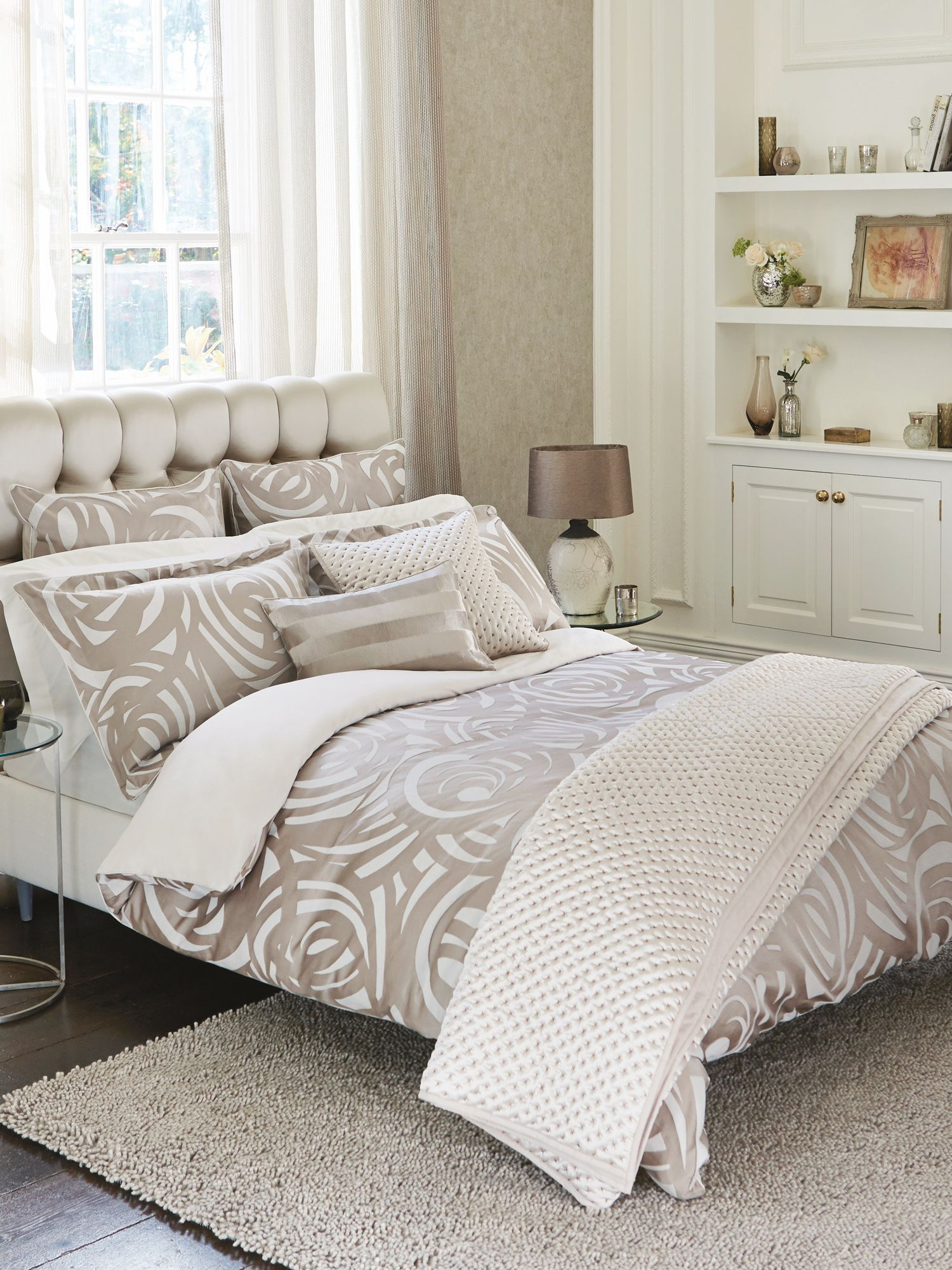 Momentum collection vortex bed linen