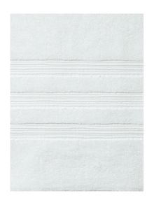 Casa Couture White towel range