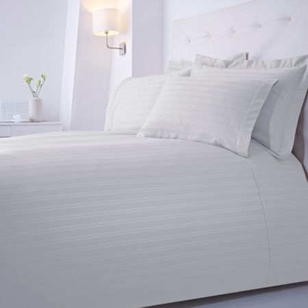 Luxury Hotel Collection Dobby stripe double duvet set white