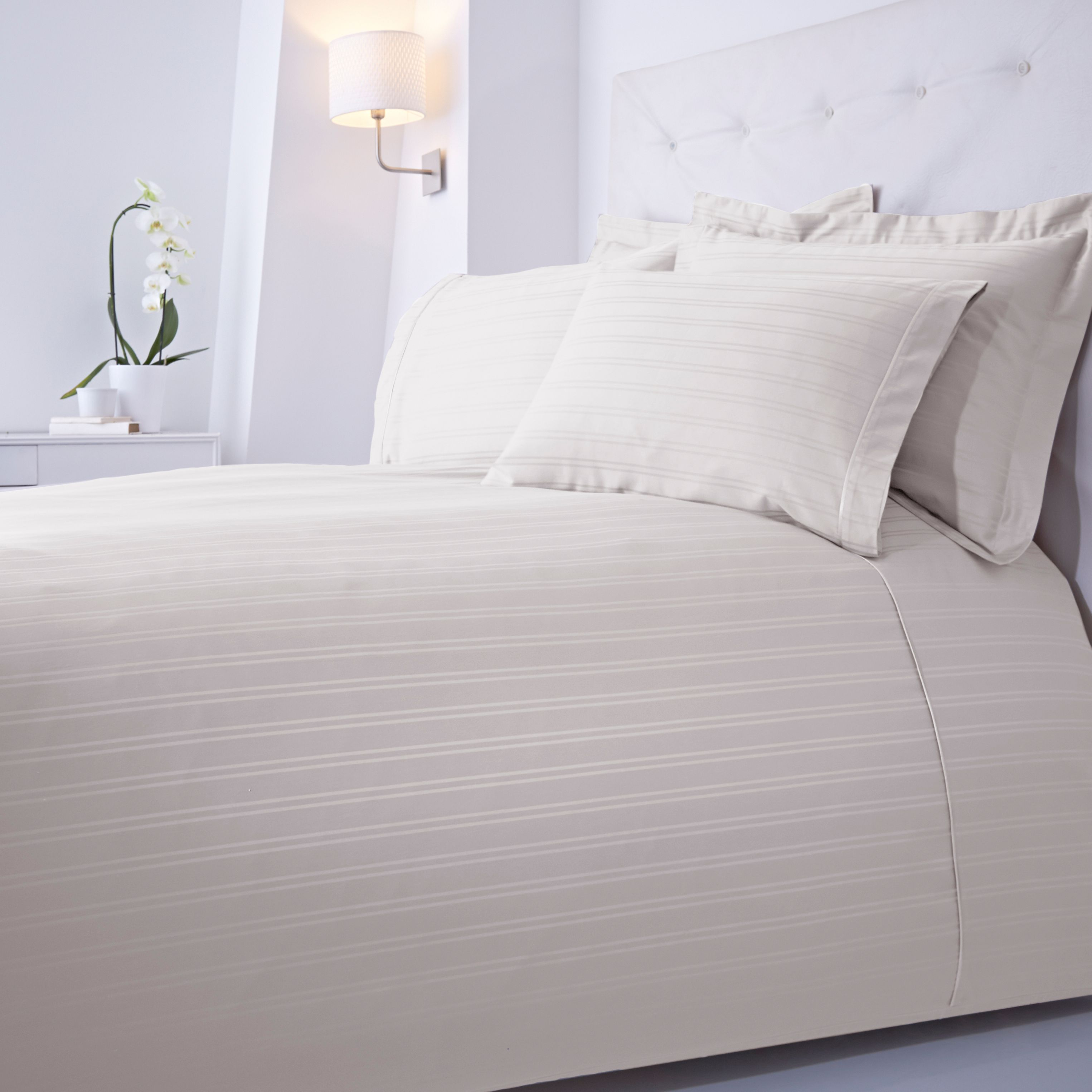 Luxury Hotel Collection Dobby stripe deep fitted sheet pair single cream