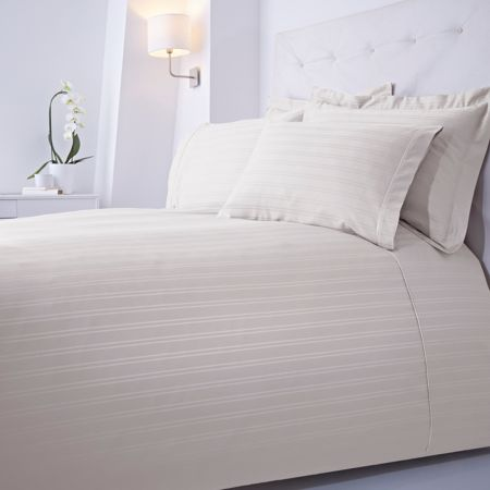 Luxury Hotel Collection Dobby stripe single duvet set cream