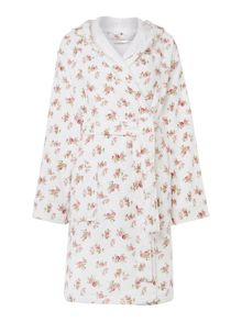 Shabby Chic Scattered Rose Print robe range