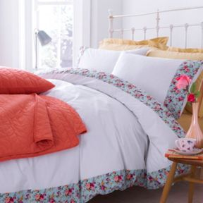 Dickins & Jones Floral border bedding range