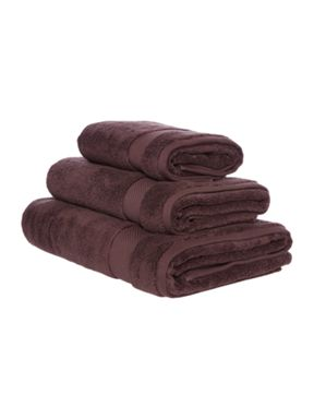 Luxury Hotel Collection Zero Twist towel collection in Truffle