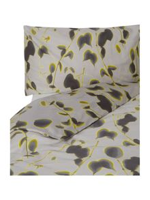Monique bedding range