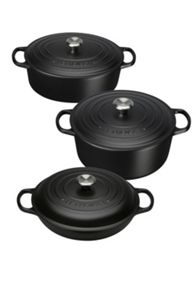 Cast Iron cookware range in Black