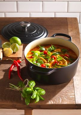Le Creuset Cast Iron cookware range in Black