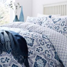 Linea Alhambra bedding range in Blue