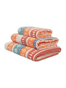 Dickins & Jones Jacquard towel range