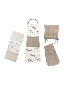 Winter Highlands kitchen linens range