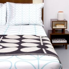 Orla Kiely Large Linear stem bedding range