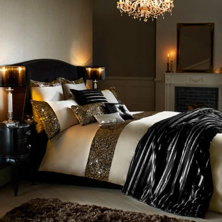 Kylie Minogue Manuella King Duvet Cover