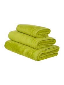 Linea Zero Twist Towel Range in Fern Green