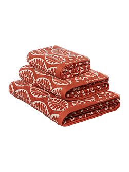 Maple leaf jacquard bath sheet burnt orange