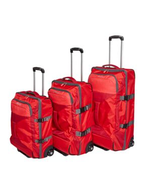 American Tourister Road Quest luggage set in red
