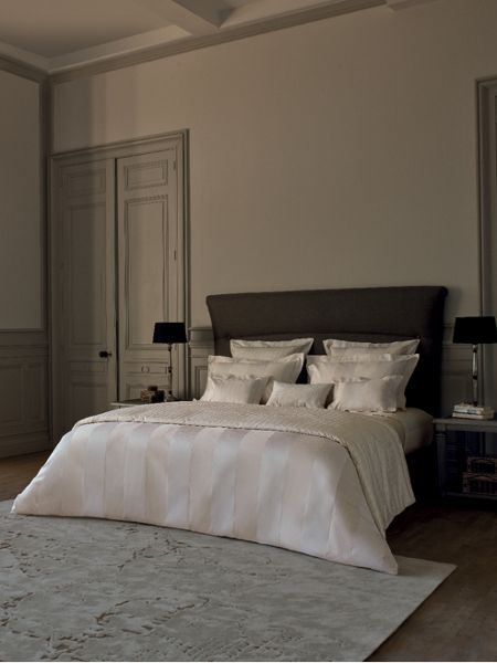 Yves Delorme Must have ecru double flat sheet
