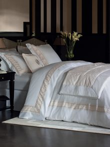 Yvew Delorme forum bed linen in white