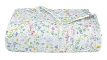 Beaucoup blanc quiltted bedcover double