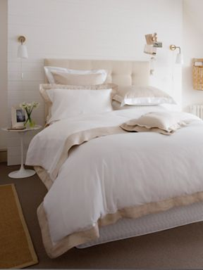 Christy Sparkle bed linen in white