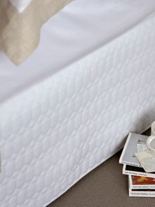 Christy Lattice bed linen in white