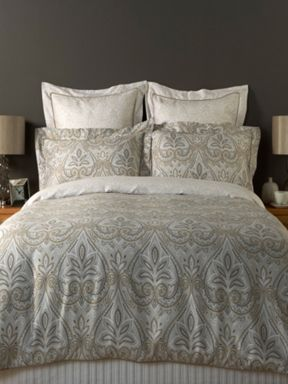Christy Sofia bed linen in silver