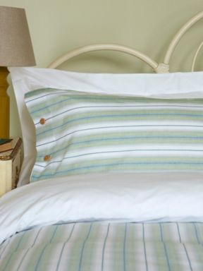Ditton Hill Oscar bed linen sets in green