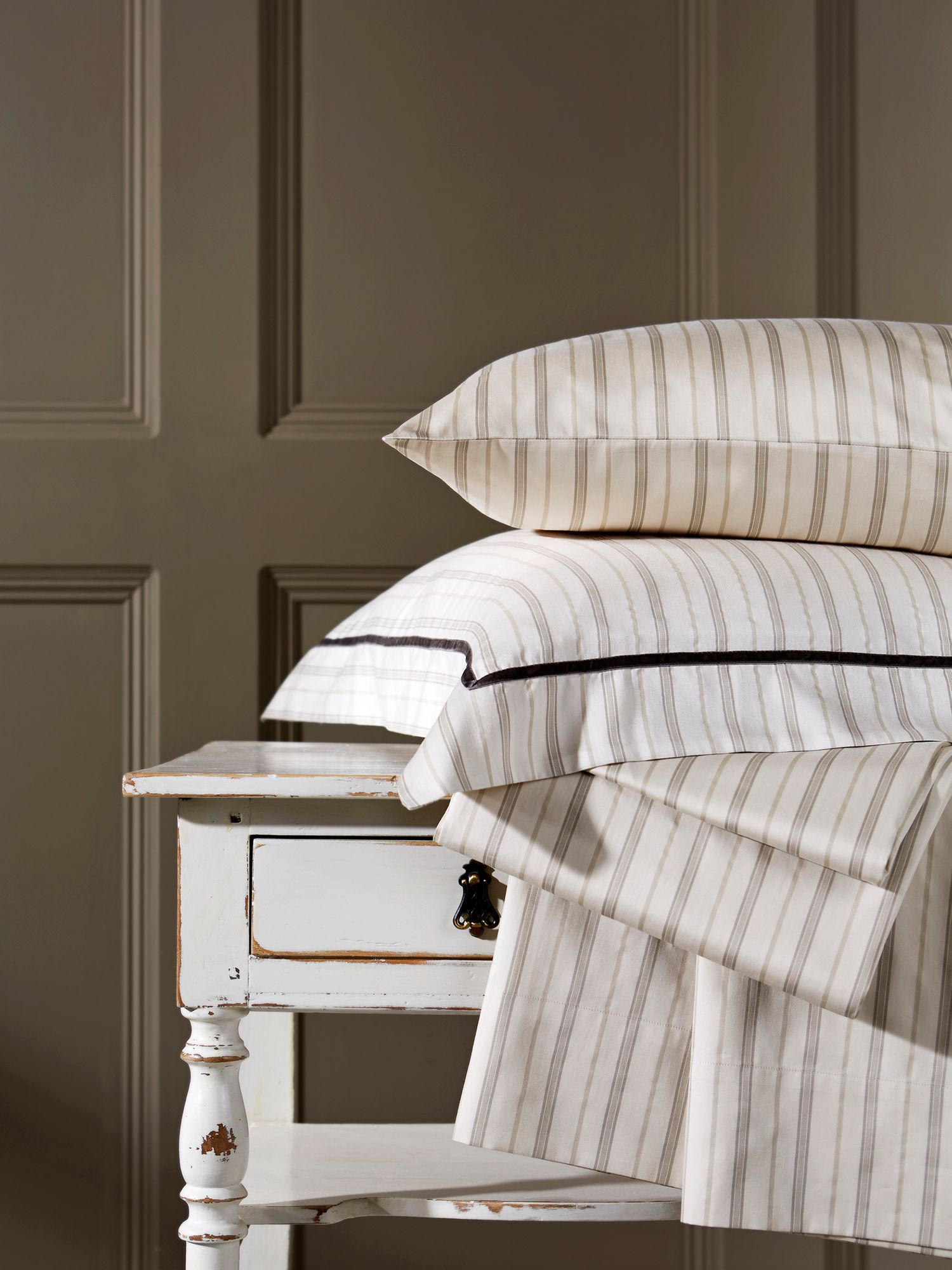 Bloomsbury stripe bed linen