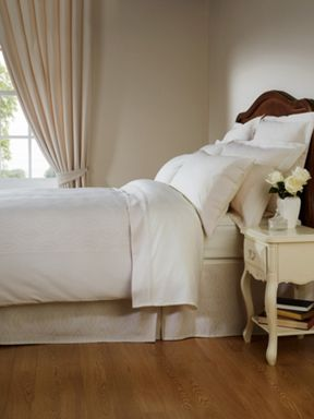 Christy Ottoman bed linen in cream