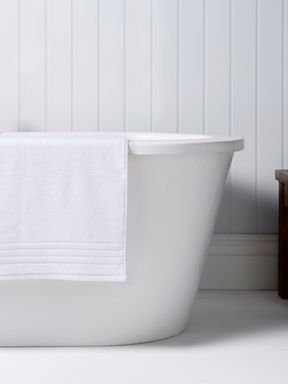 Christy Revive towels white