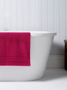 Revive towels magenta