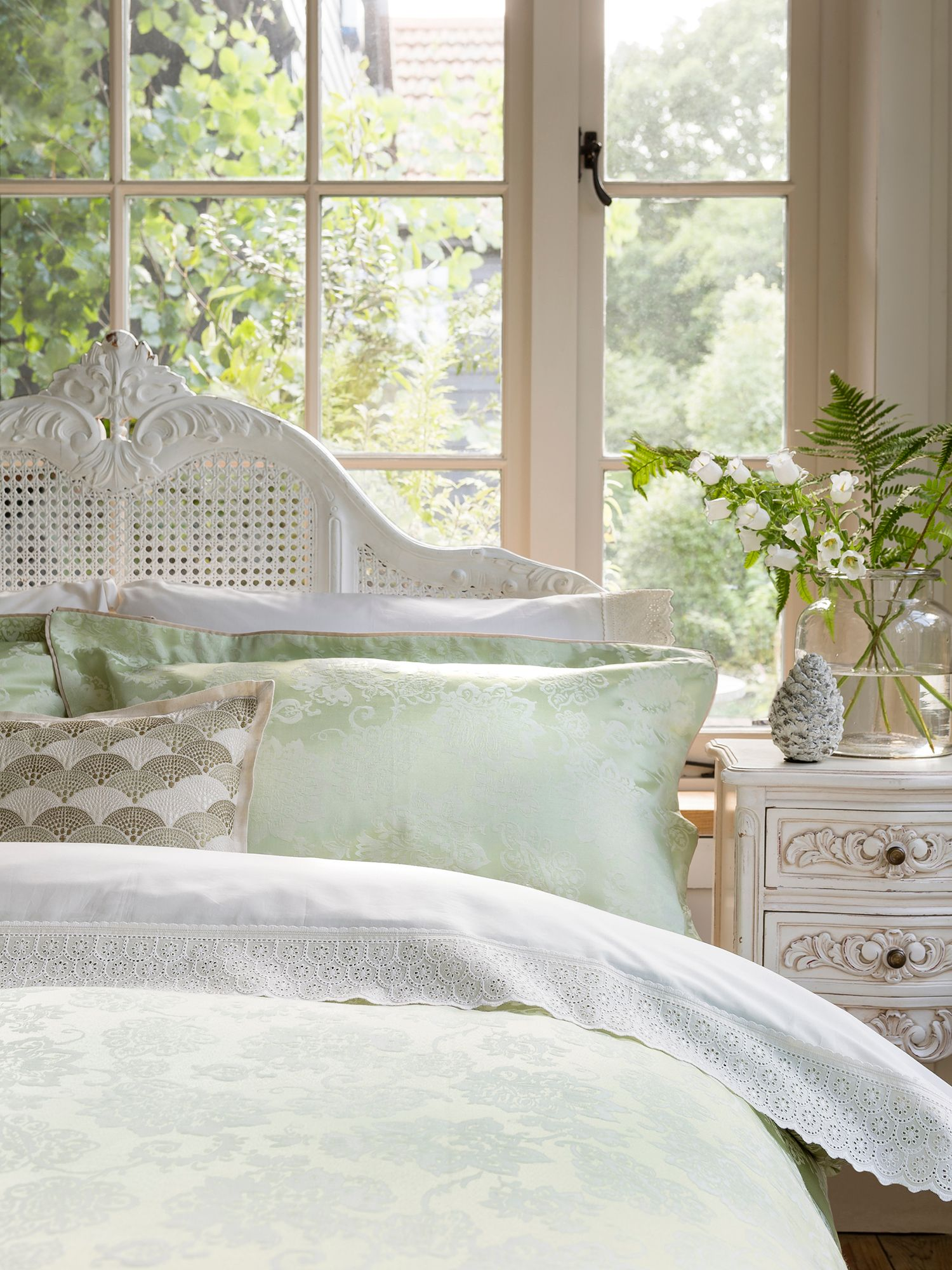 Cliveden single duvet spring green