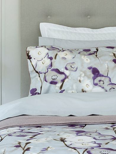 Grace purple bed linen