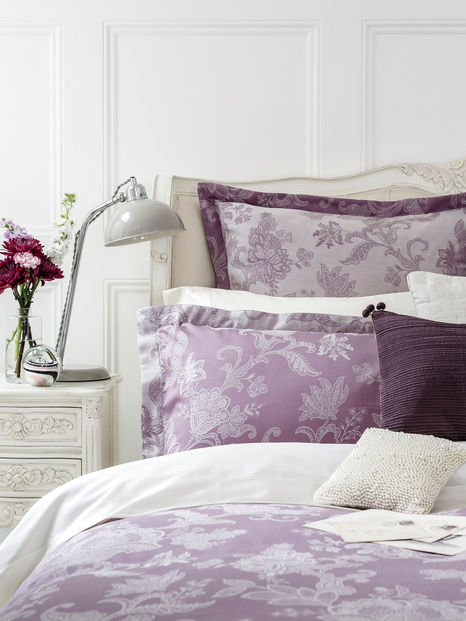 Chesham bed linen in mauve