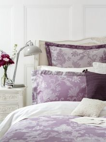 Christy Chesham bed linen in mauve