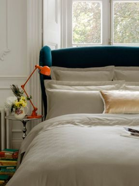 Christy Maddox oyster bed linen