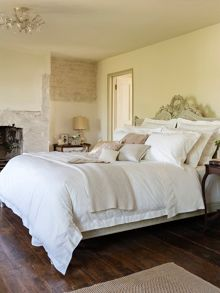 Christy Chantilly bedlinen range in cream